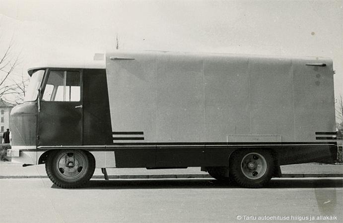 TA-12 isotermilise furgoonauto (TA-942) katsemudel