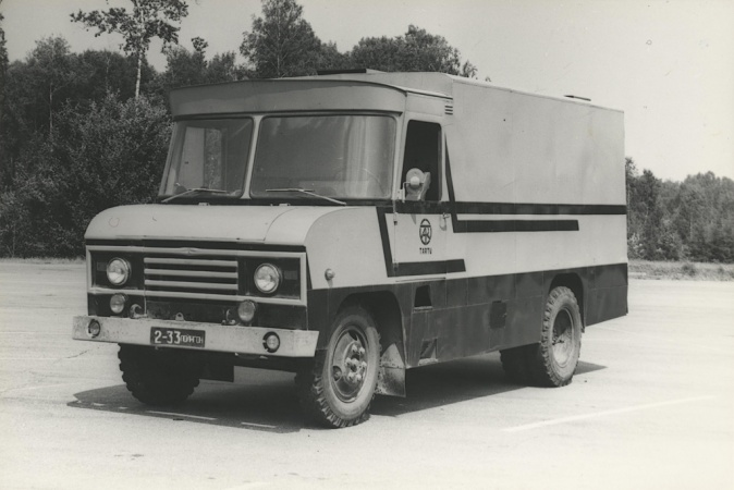 Furgoonauto TA-3760 vastupidavuskatsetustel NAMI katsepolügoonil Moskvas, 1980. a.