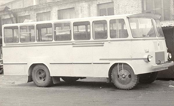 Furgoonauto TA-9A2 baasil ehitatud autobuss