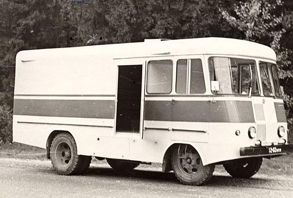 TA-18 lilleveo furgoonauto katsemudel