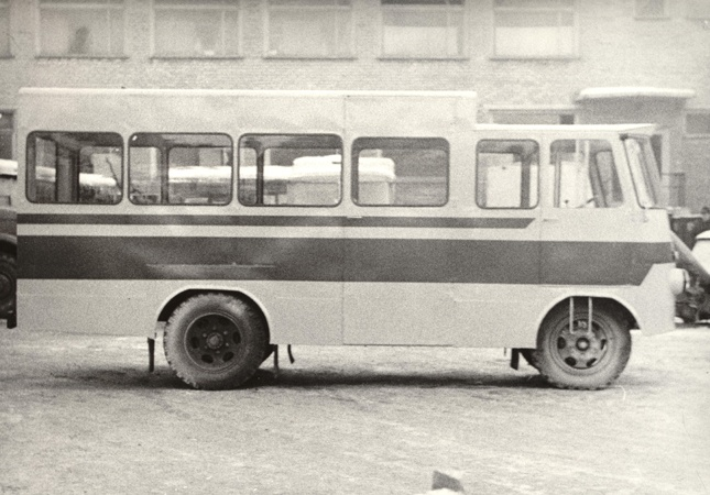 TA-9E4 üldkaubaveo furgoonautod TA-9E2 baasil