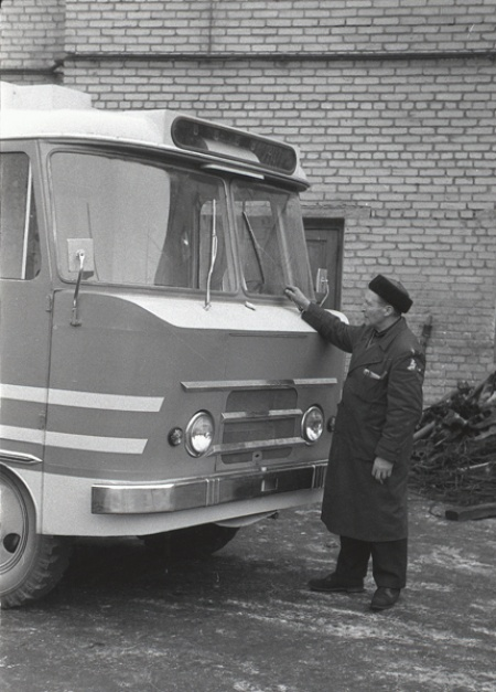Teenindusbussi TA-12T katsemudel, jaanuar 1964