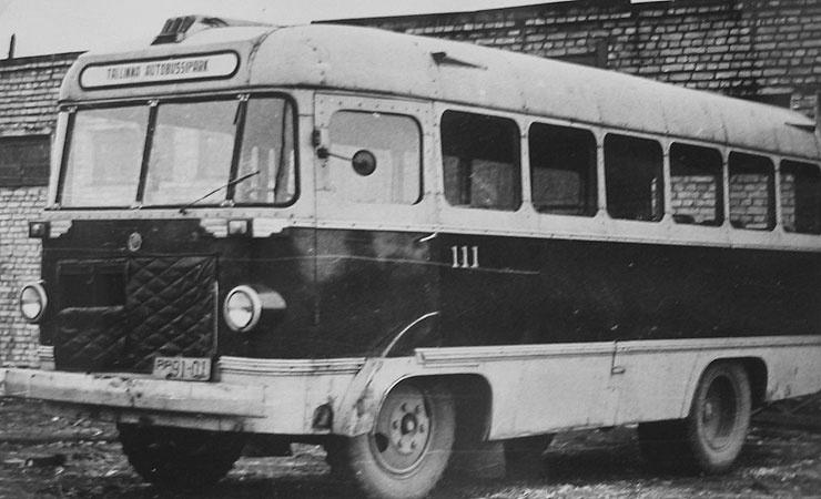 Tallinna ATP autobuss garaažinumbriga 111 (reg. nr. PP 91-01)
