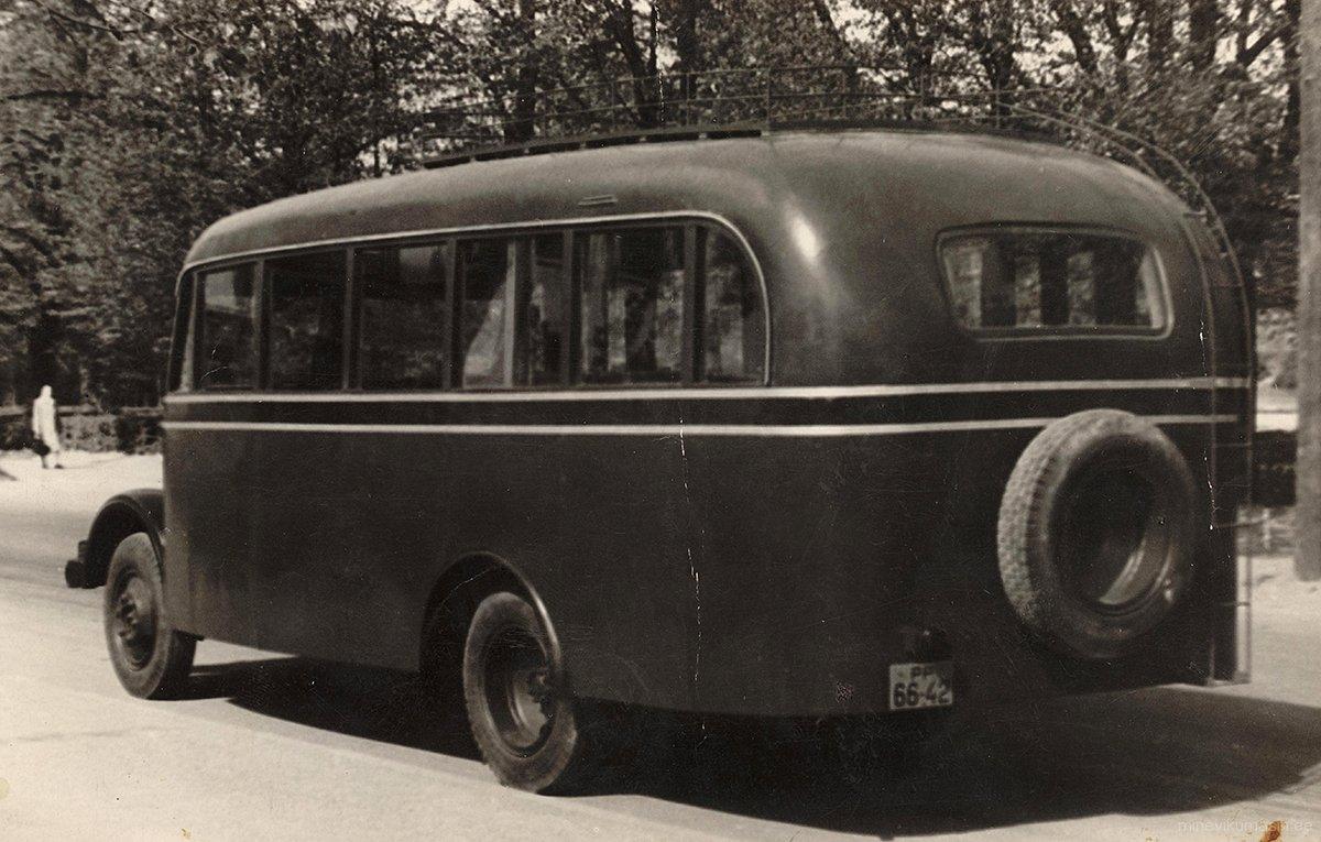 Autobuss TA-1 riikliku registreerimisnumbriga PP 66-42.