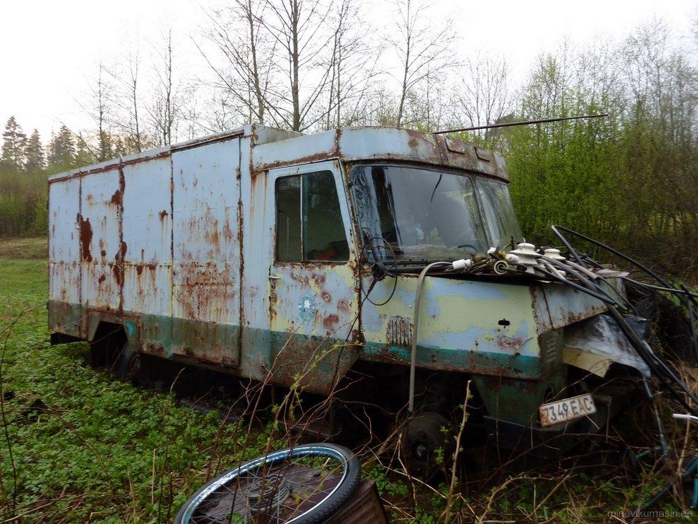 Endine Viljandi autobaasi furgoon TA-3760-01.