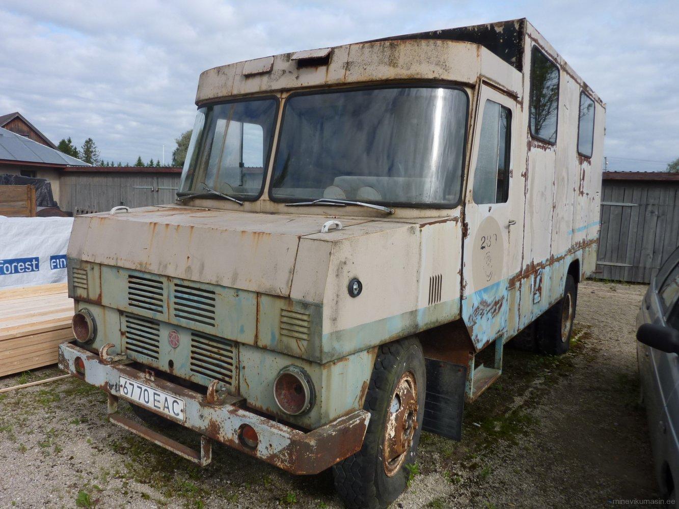 Piimaveo furgoonauto TA-37601-01 Eesti Piimandusmuuseumis.
