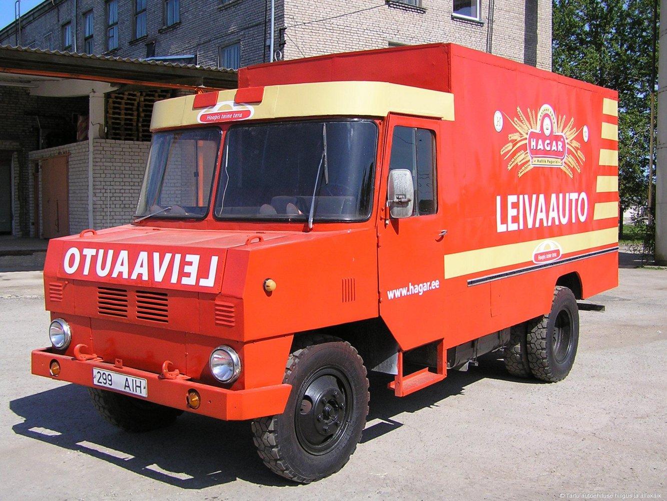 Endine Tapa autobaasi konteinerveok Hagari reklaamsõidukina.