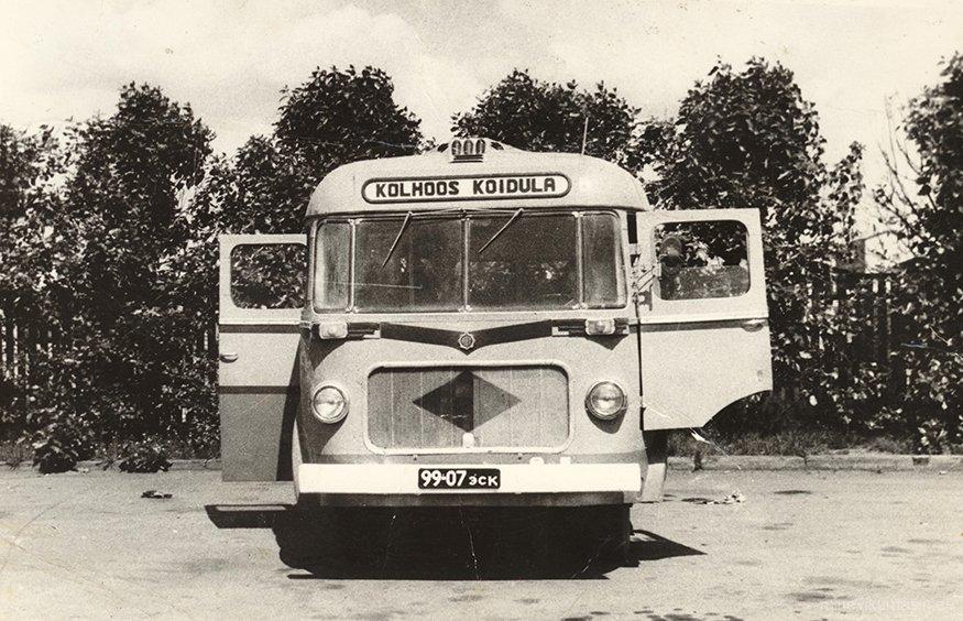 Harju rajooni «Koidula» kolhoosi buss.