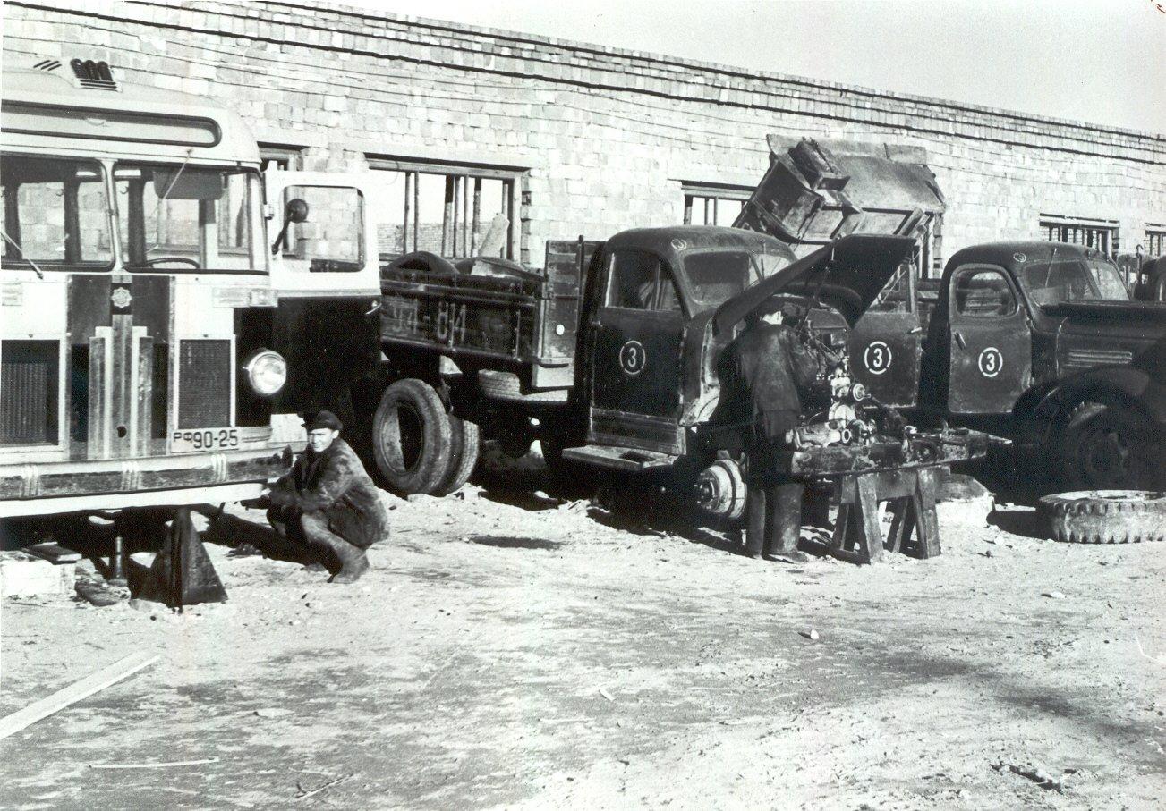 Autode remont Autotransportbaasis nr 3 1958 a kevadel (VK F 128 3 F)